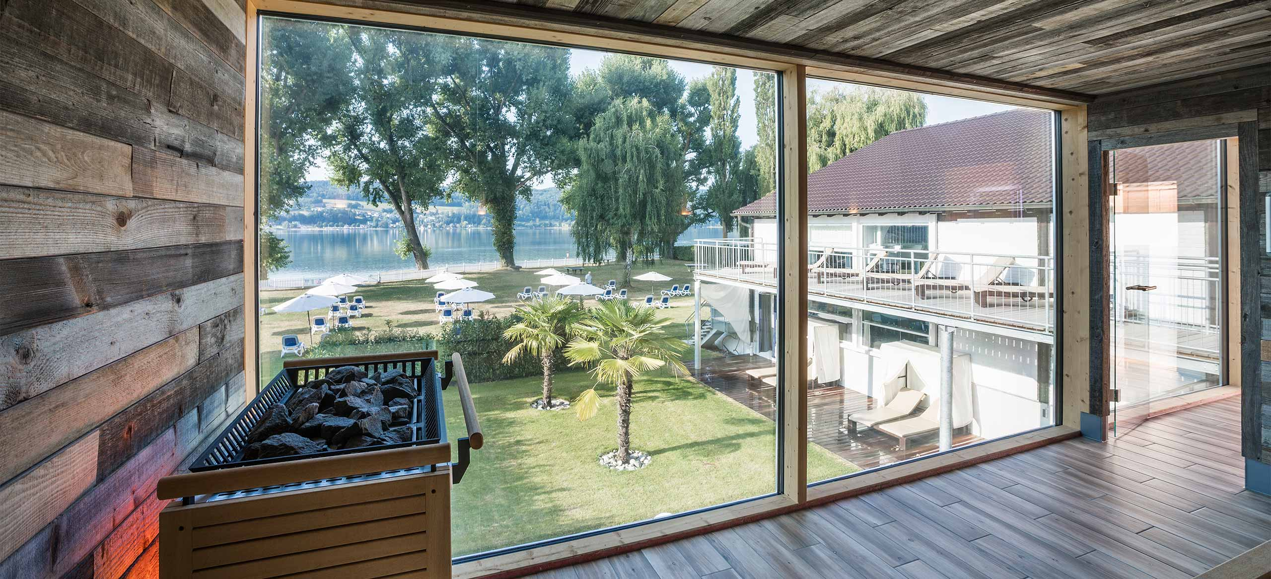 Wellnessbereich mit Ausblick im Hotel HOERI am Bodensee