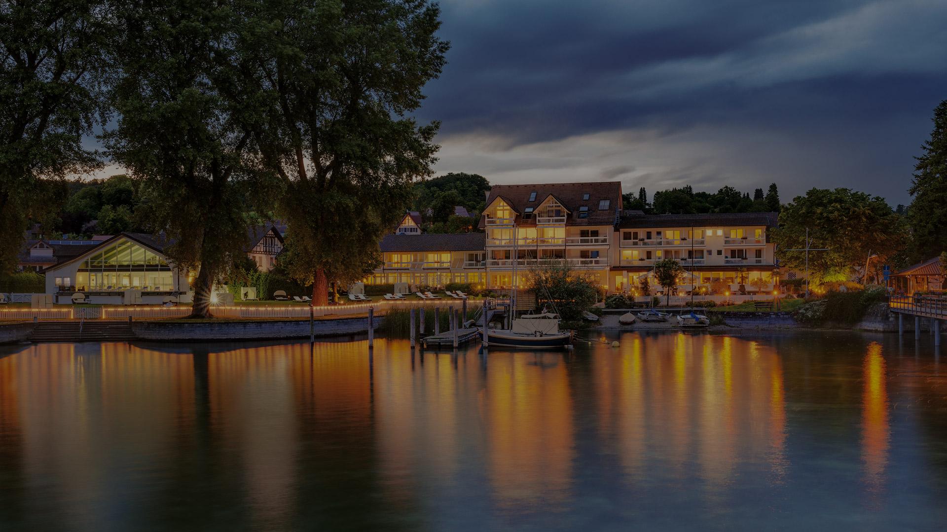 Das Hotel HOERI am Bodensee am Abend