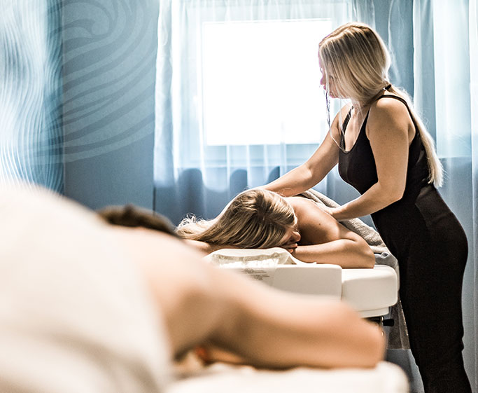 Wellnessmassage im Spa des Hotel HOERI am Bodensee