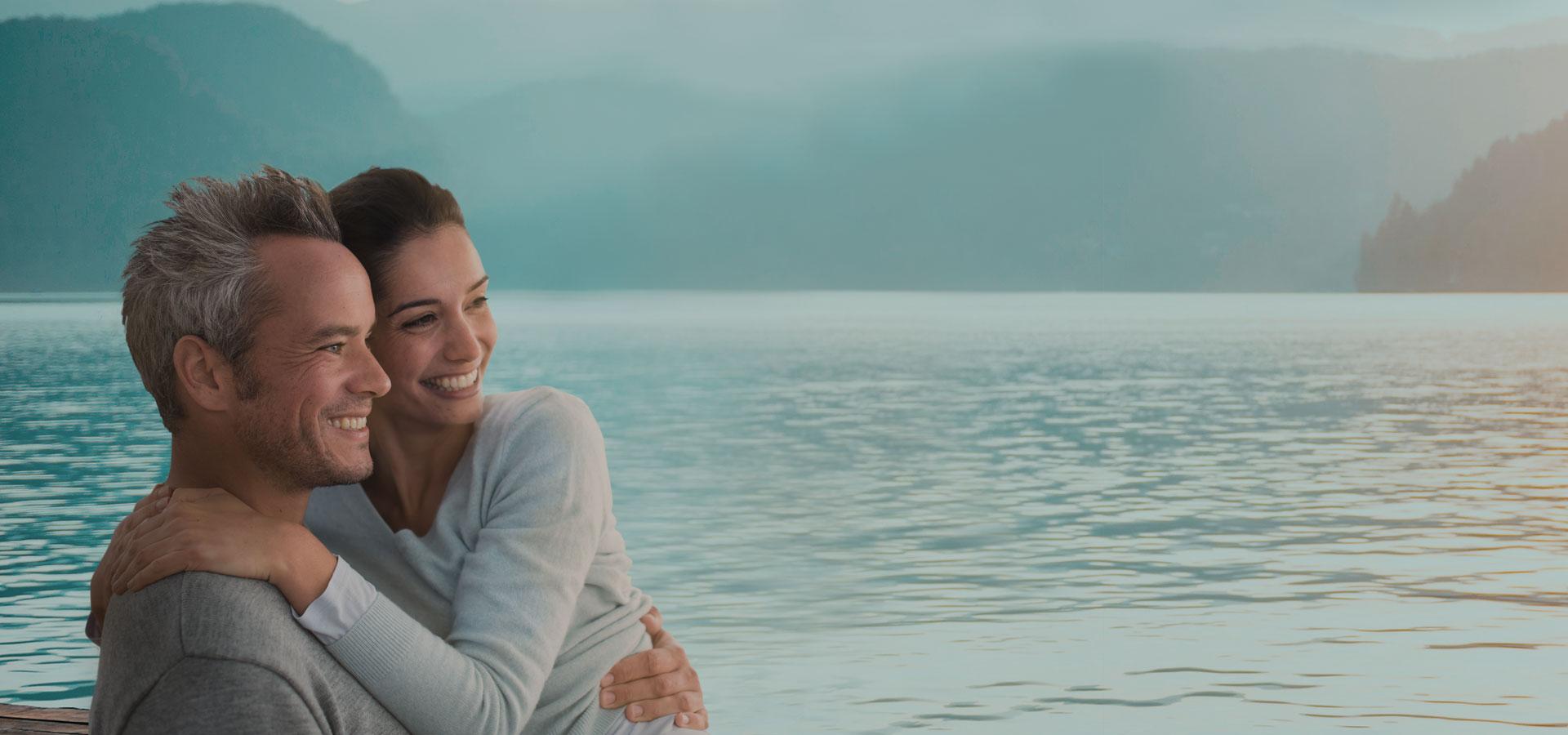 Paar blickt auf den Bodensee Hotel HOERI
