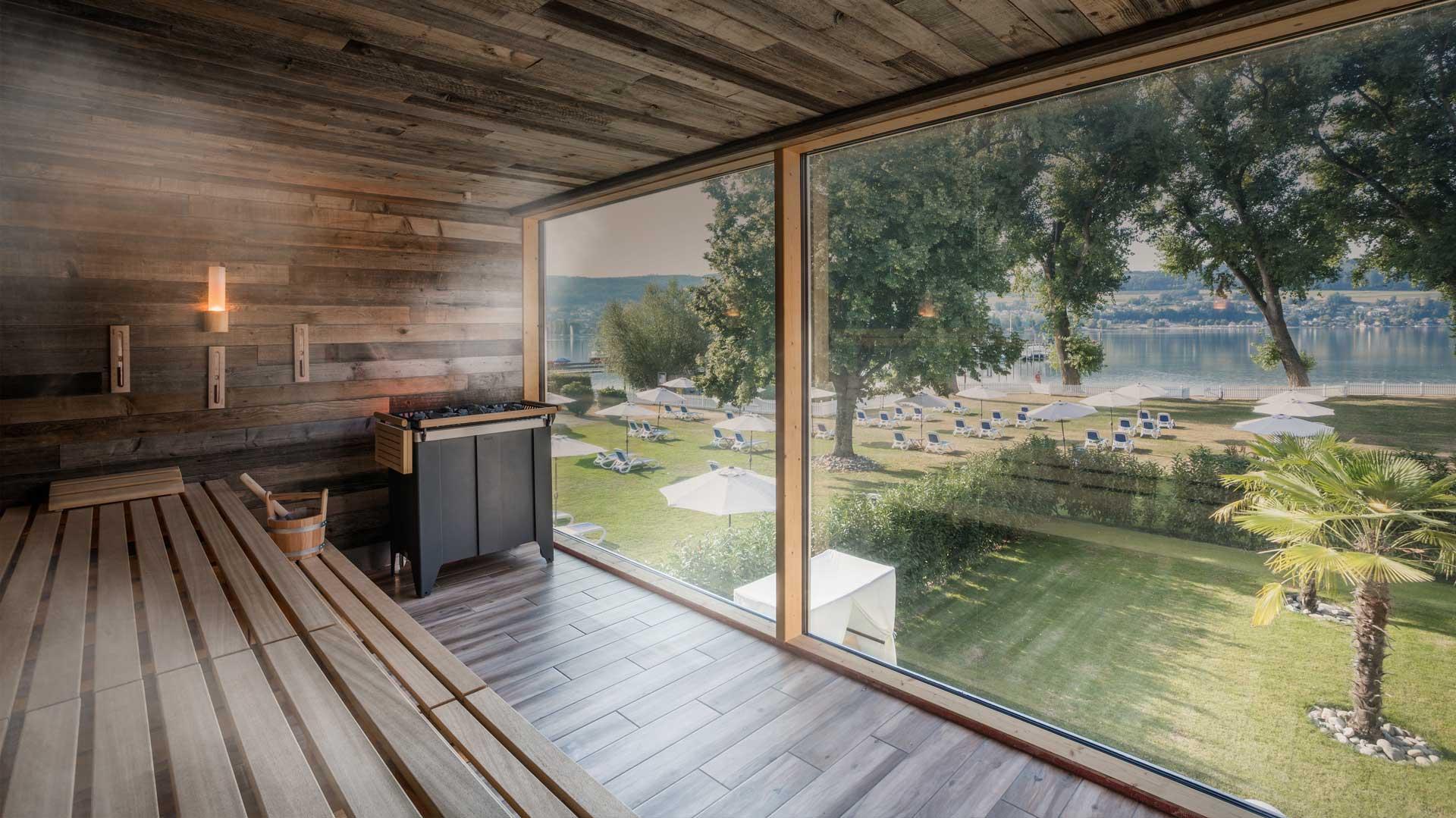 Panoramasauna mit Blick auf den Bodensee |Hotel HOERI