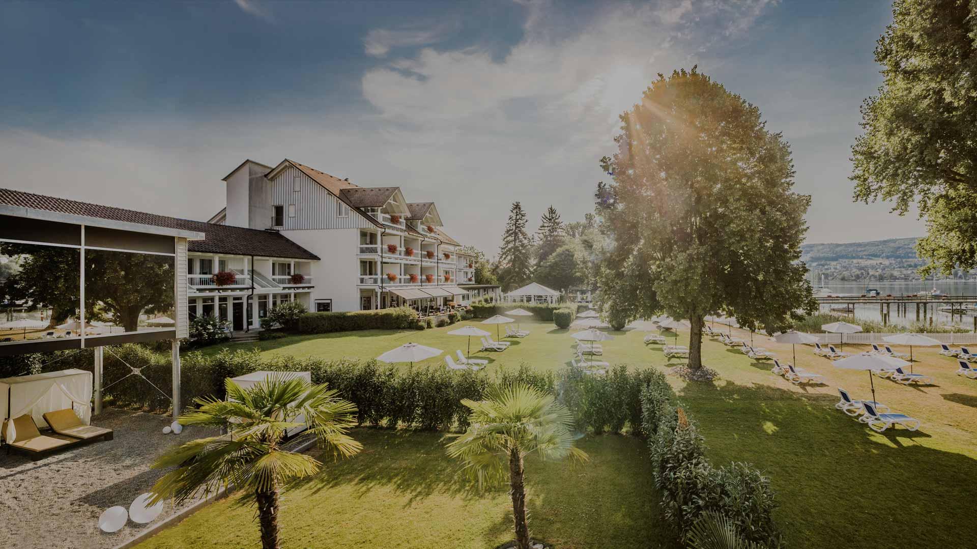 Grosse Aussenanlage des Wellnesshotels am Bodensee