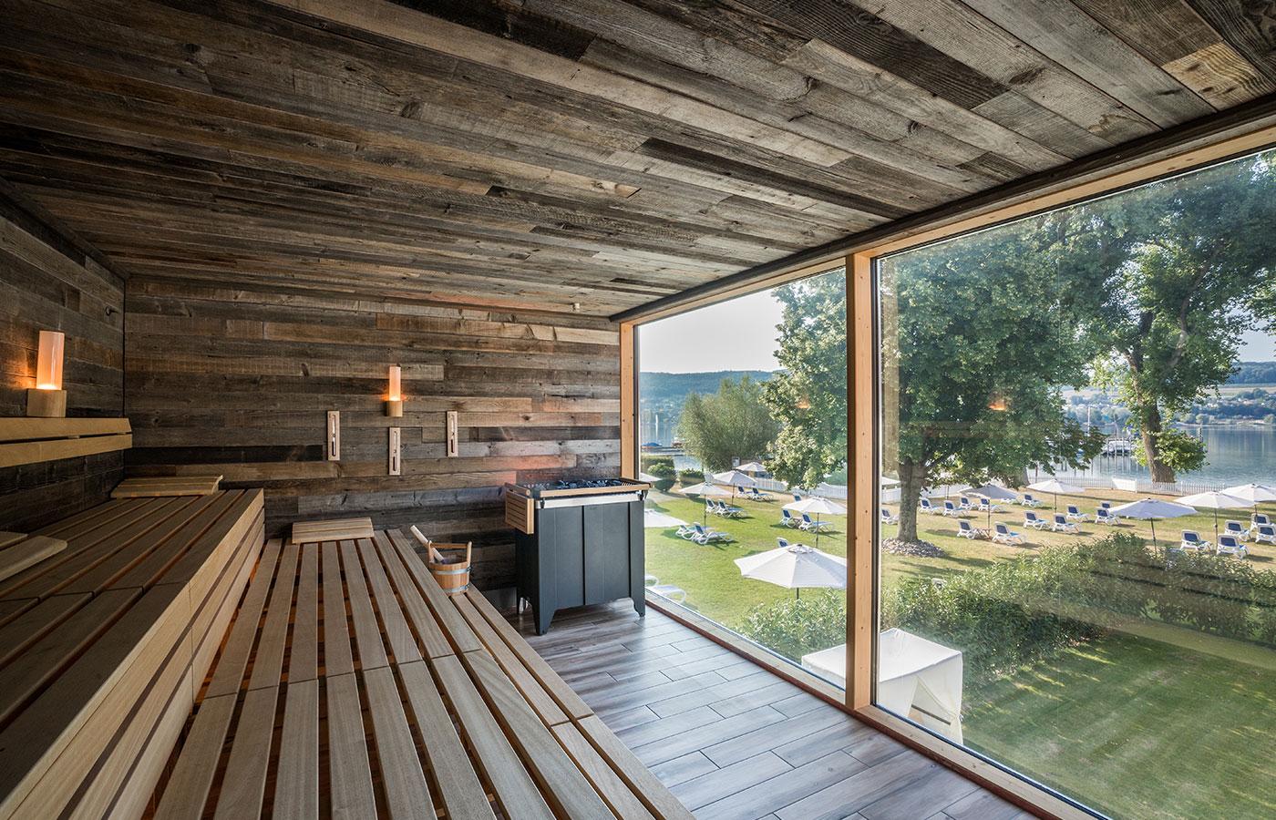 Sauna mit Blick auf den Bodensee. SEE SPA erleben!