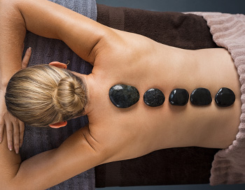 Hot-Stone-Massage | Wellnesslexikon Hotel Hoeri am Bodensee